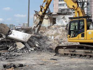 """Как сносят(демонтируют) здания от компании """"АпогейСтрой"""""""